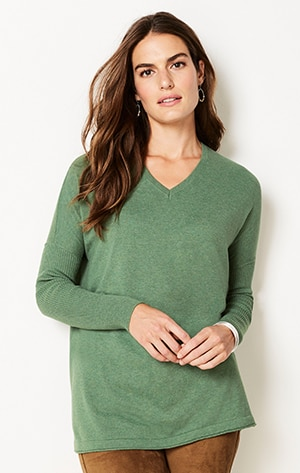 Shop this relaxed V-neck Pullover