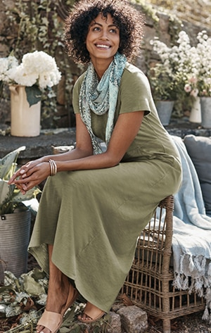 Shop our seamed knit maxi dress