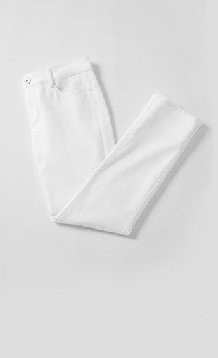 Authentic Fit Fringed-Hem Jeans