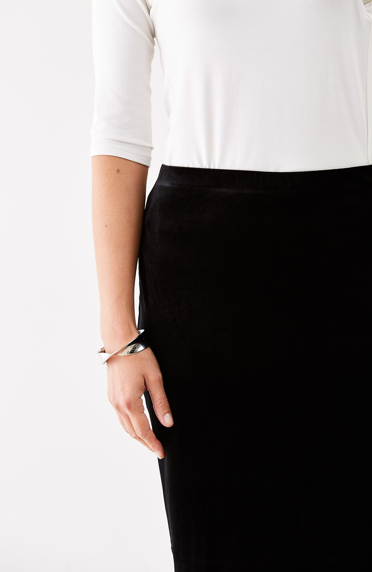 Wearever velvet pencil skirt