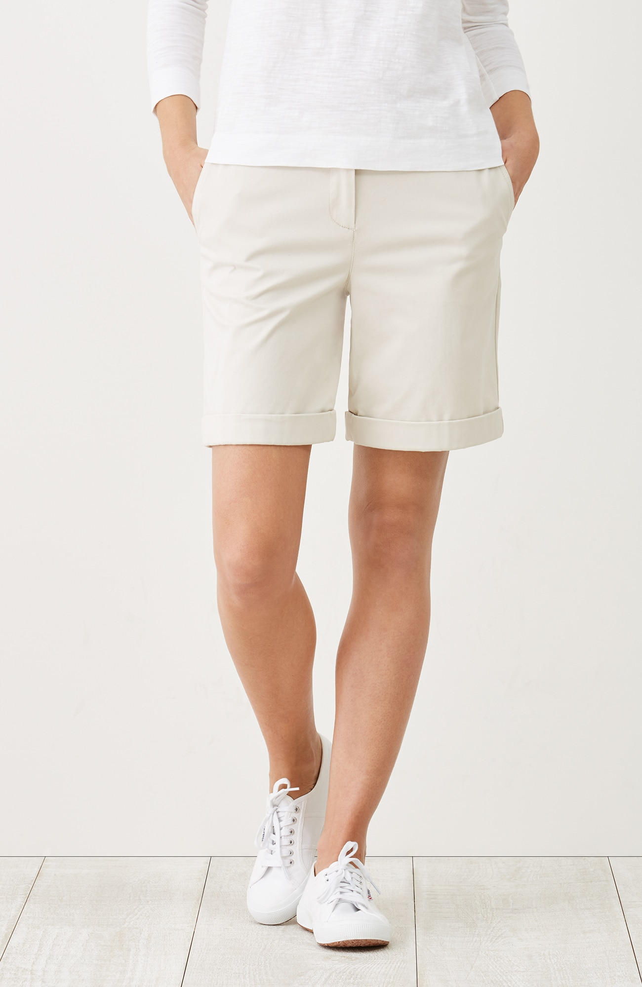 live-in chino cuffed shorts