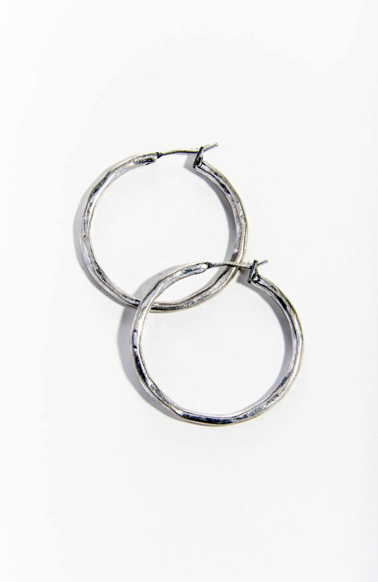 everyday elements hoop earrings