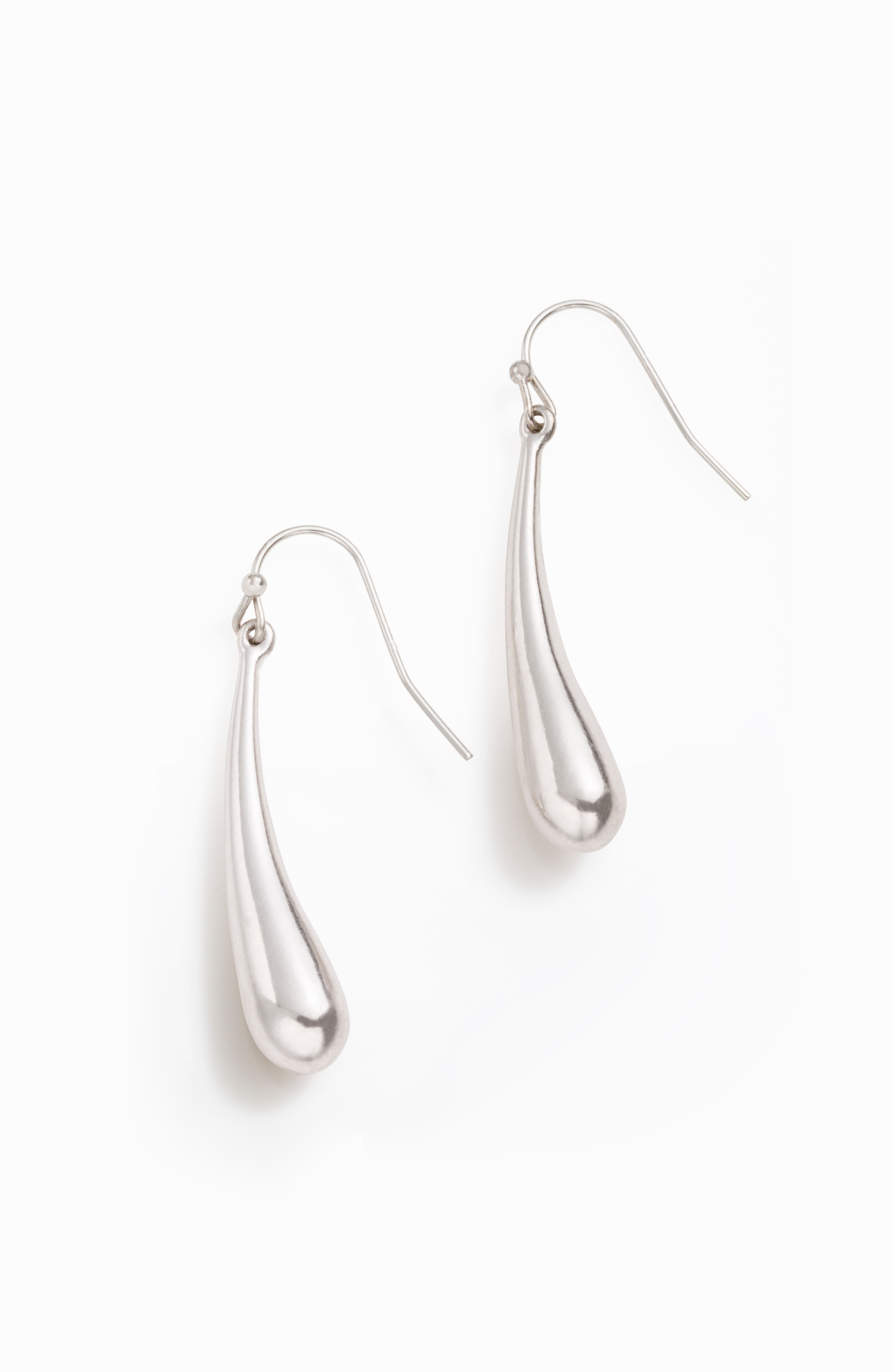 sculpted drop earrings