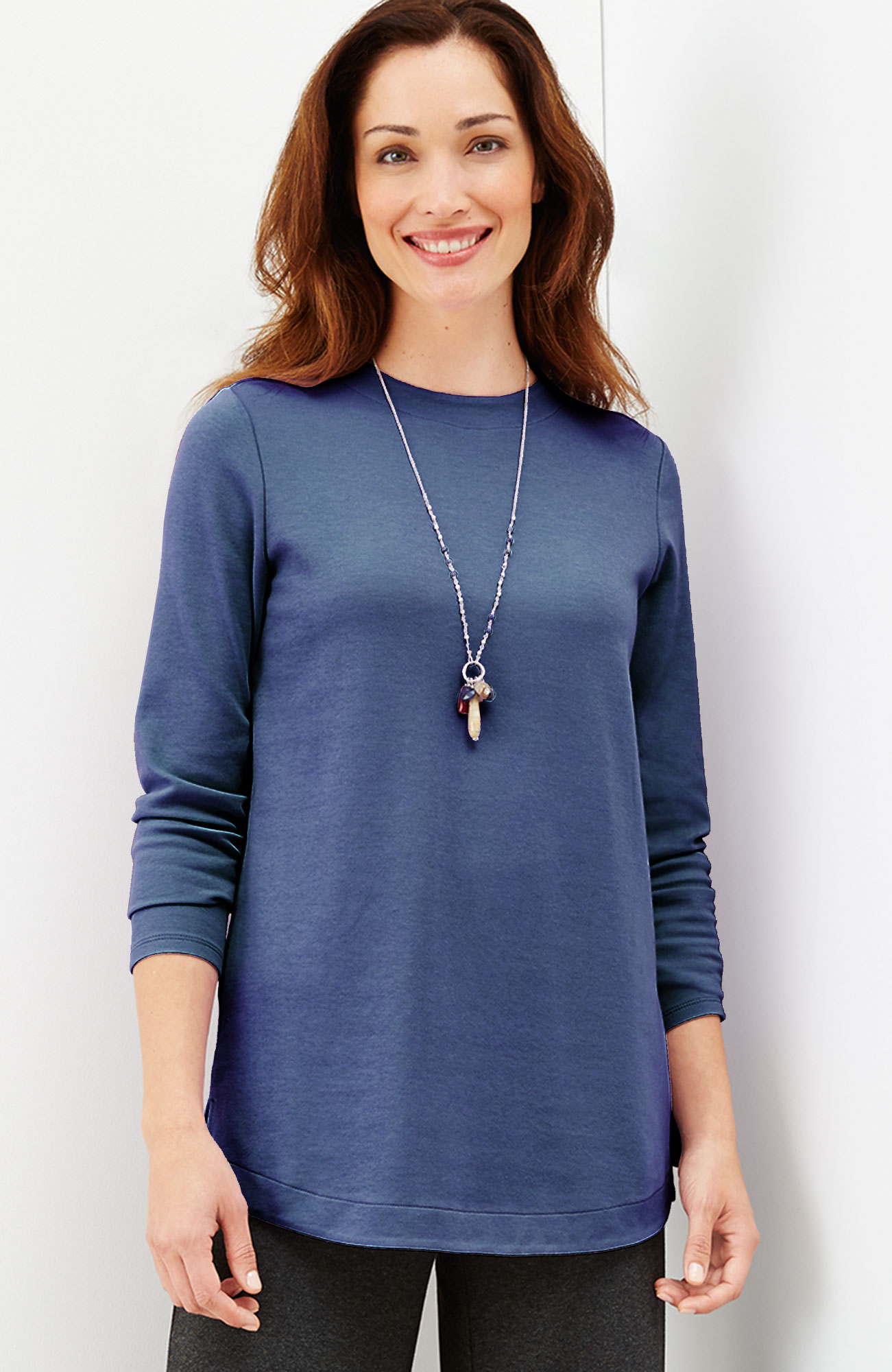 crew-neck shirttail knit top