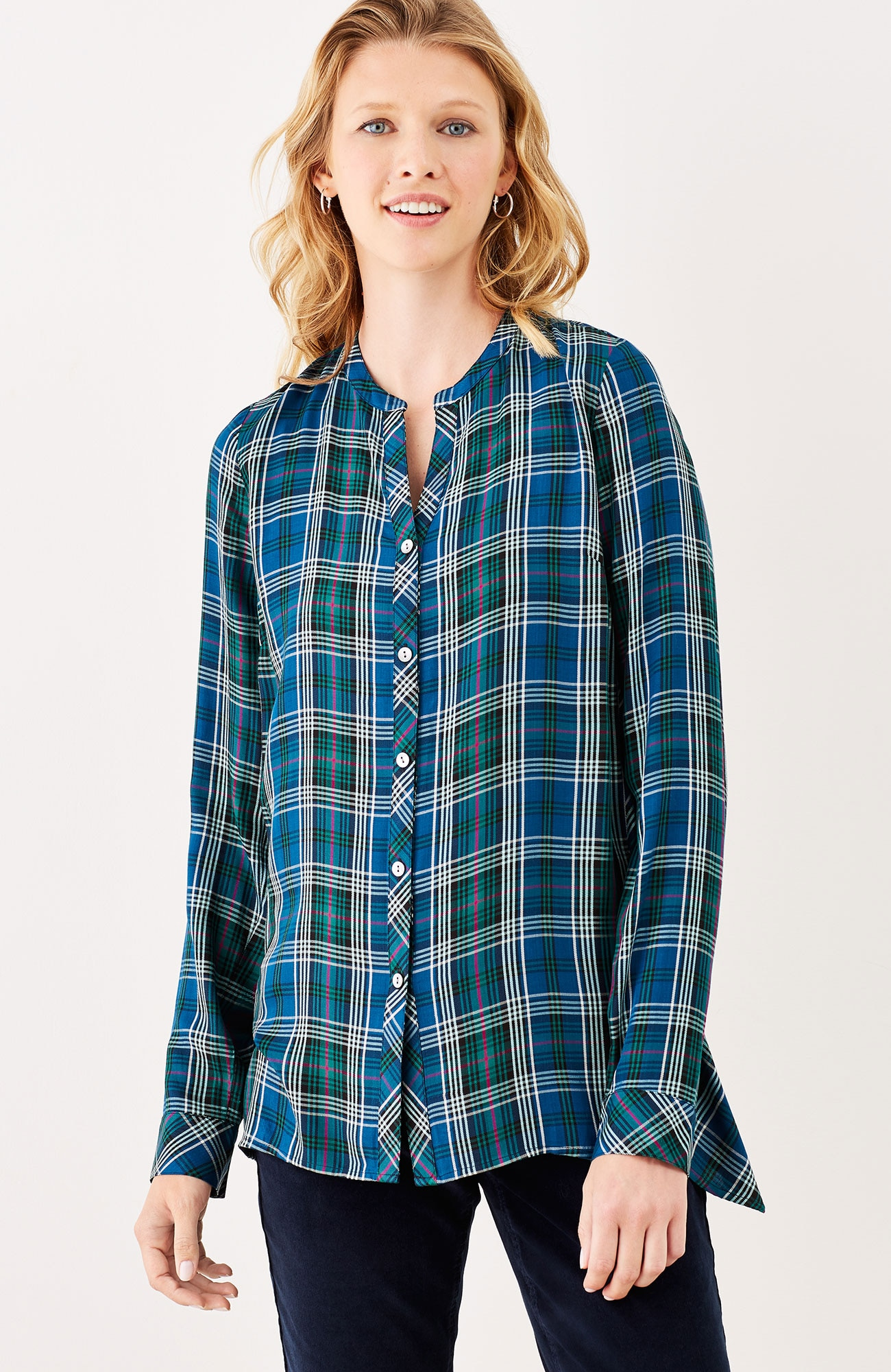 plaid dipped-hem shirt