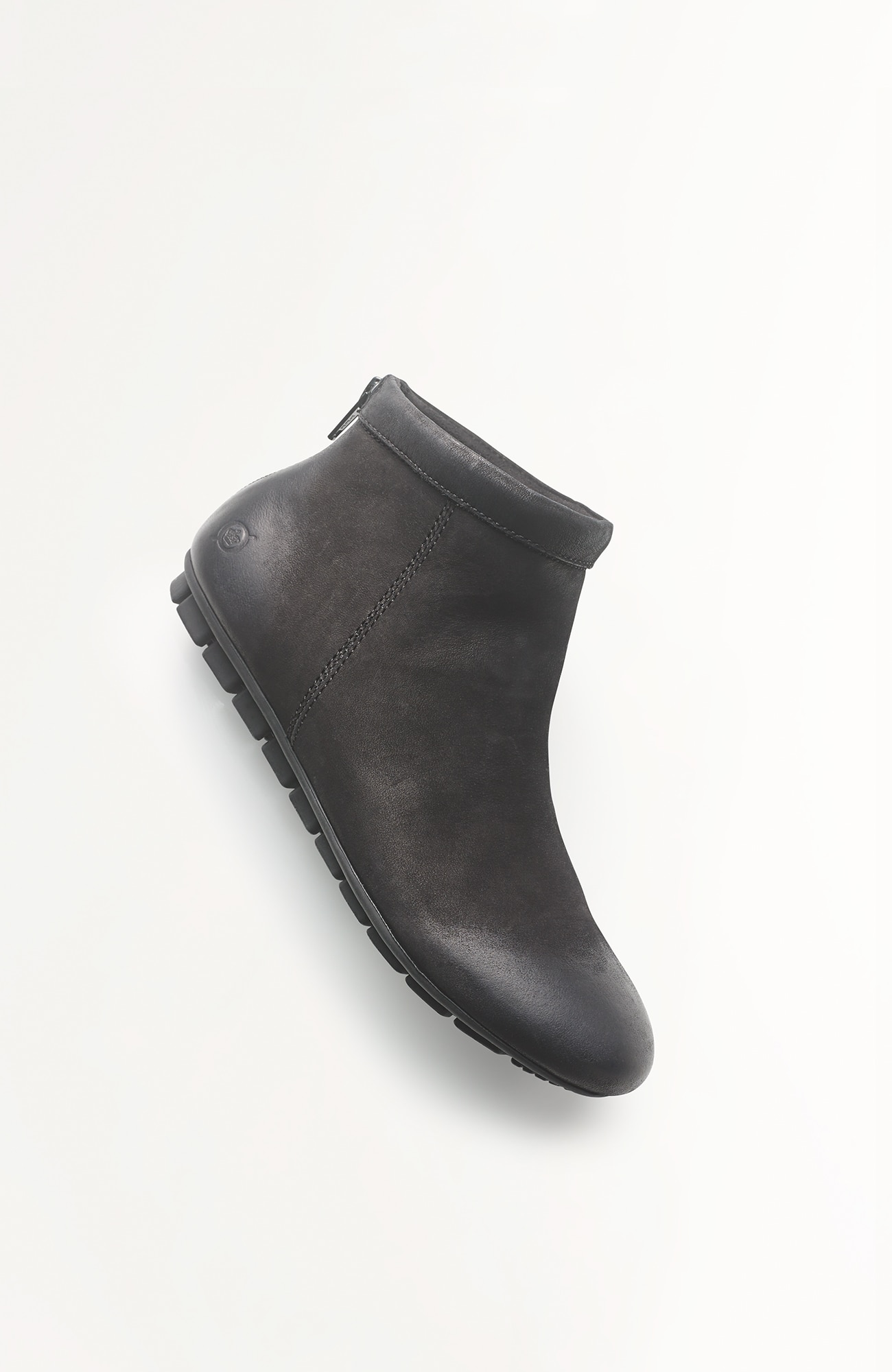 Born® Nuku short boots