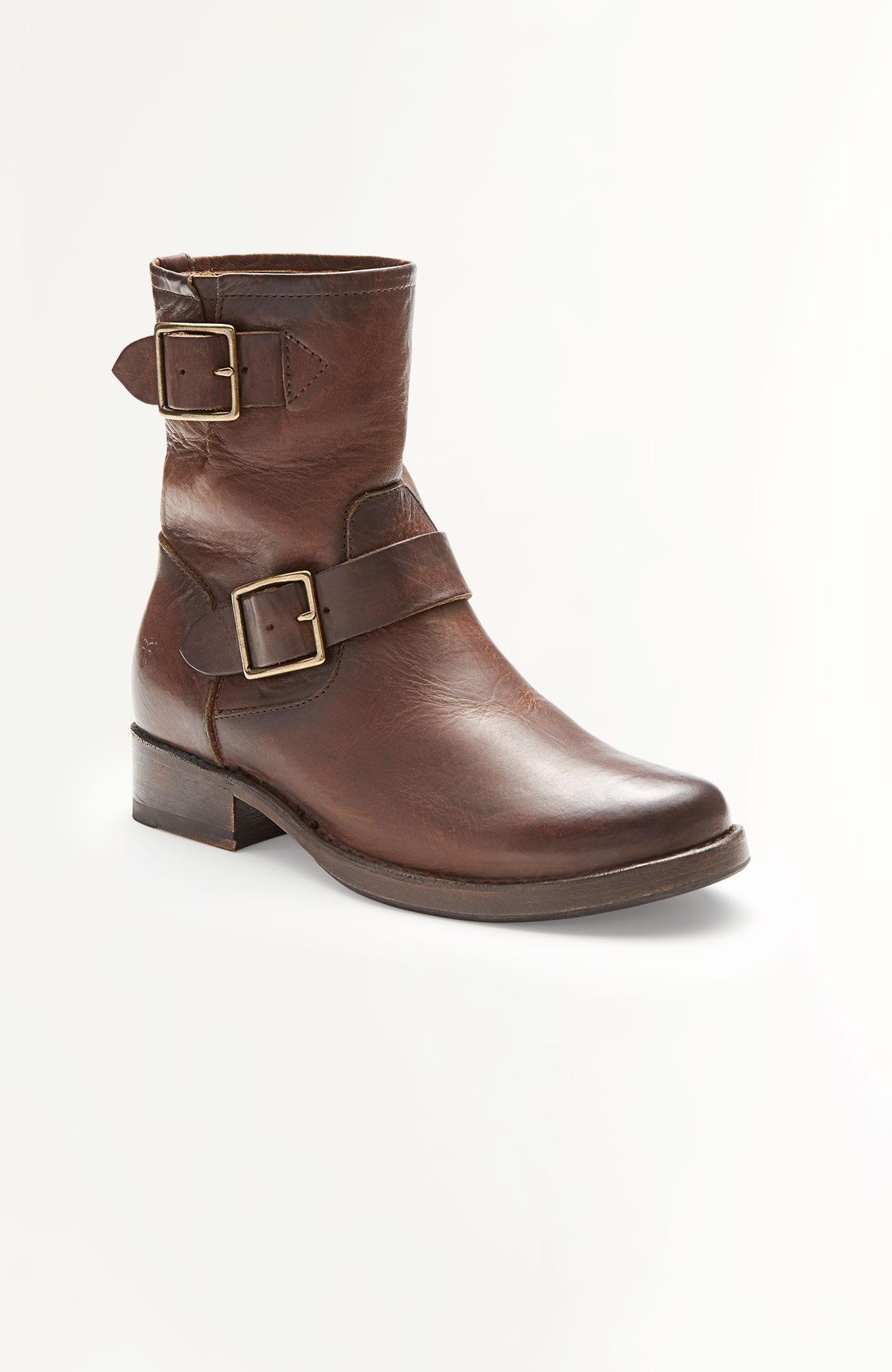 Frye Vicky short boots
