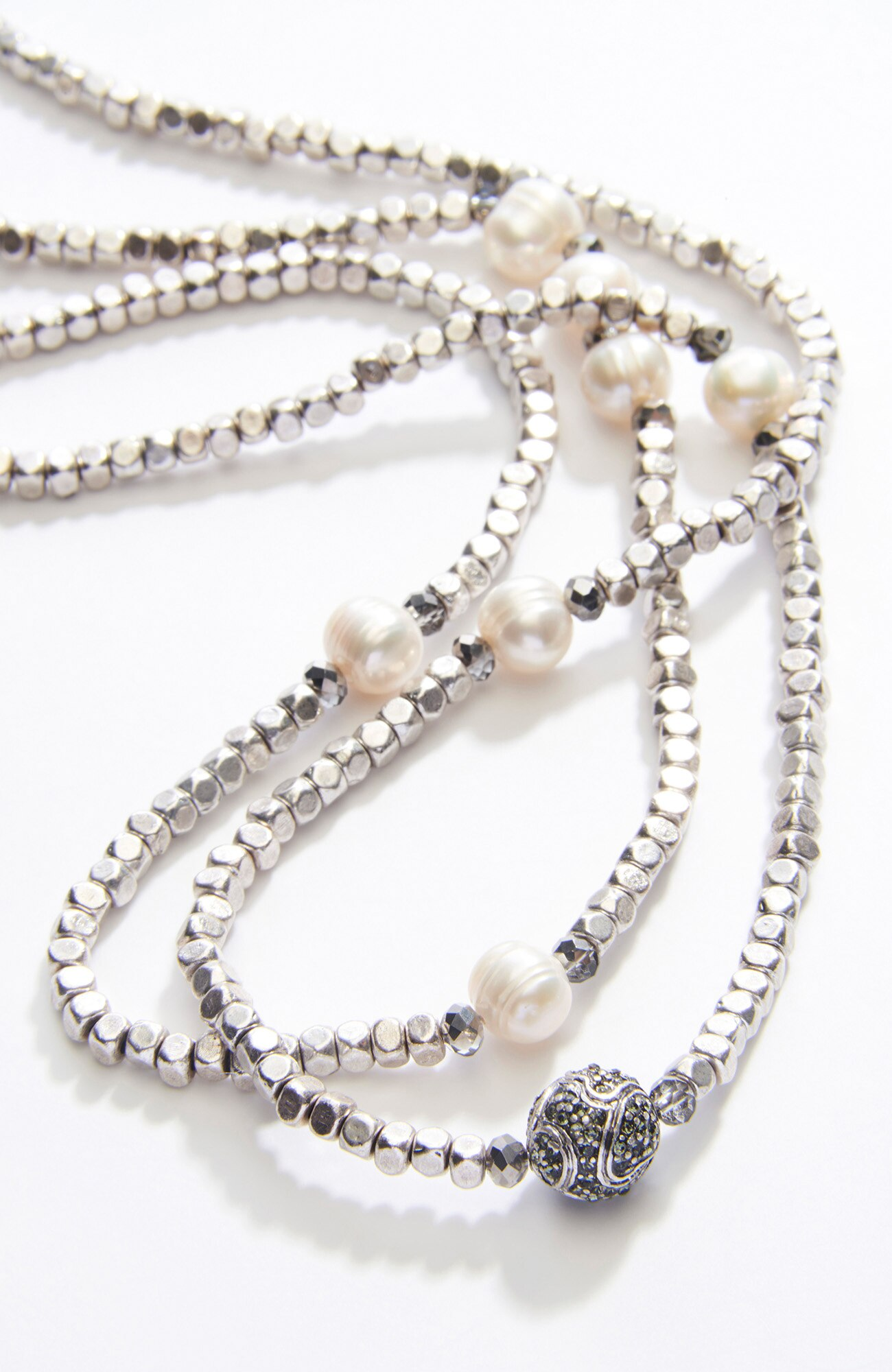 pavé & pearl strand necklace