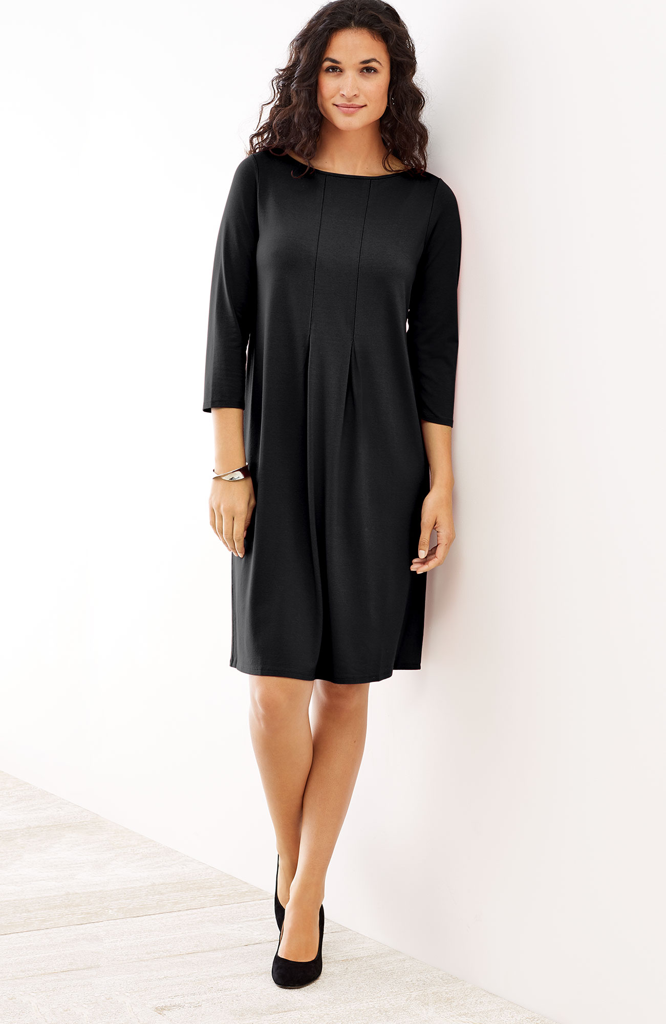 Wearever center-pleat dress