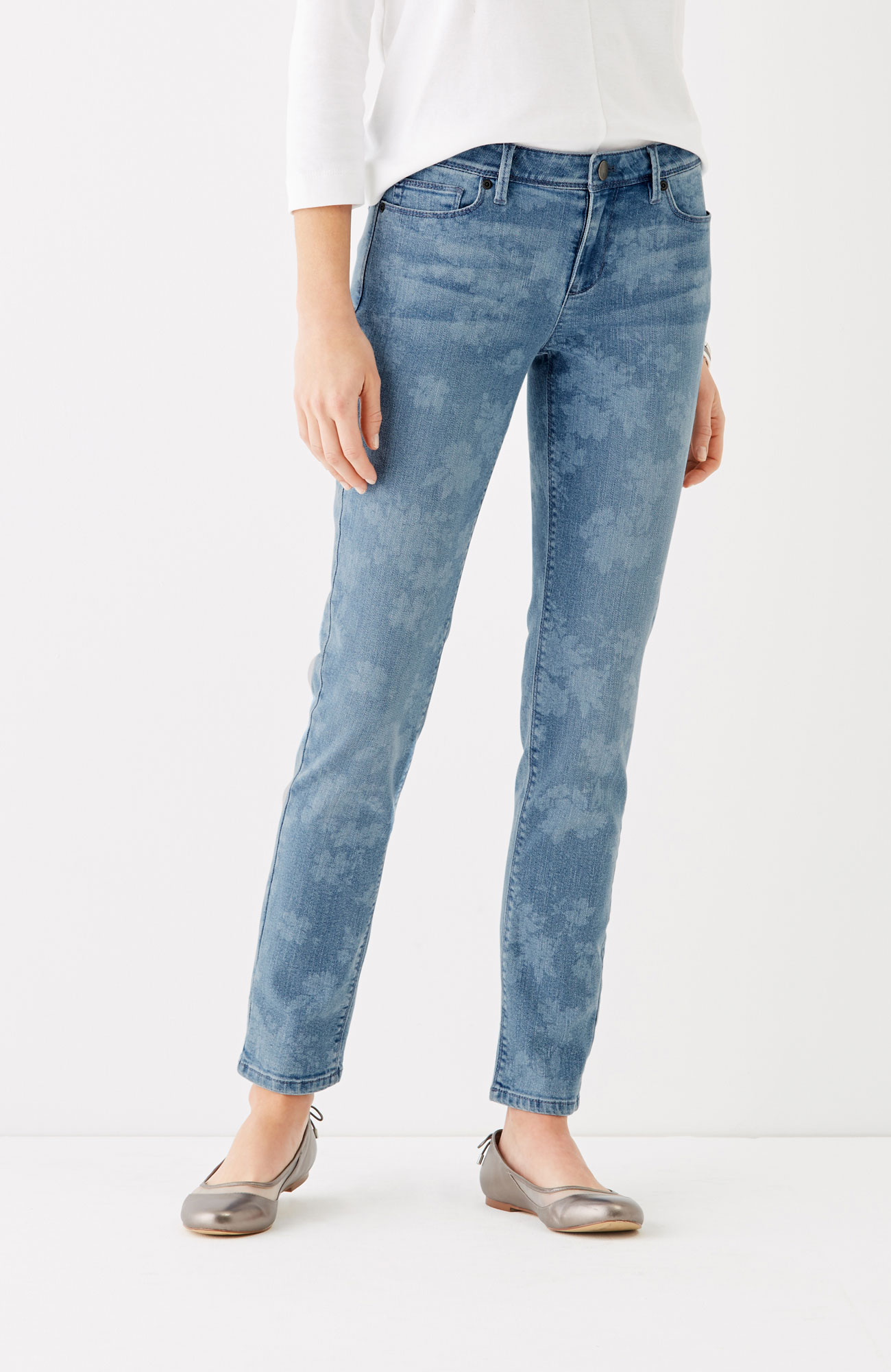 Authentic Fit slim ankle jeans