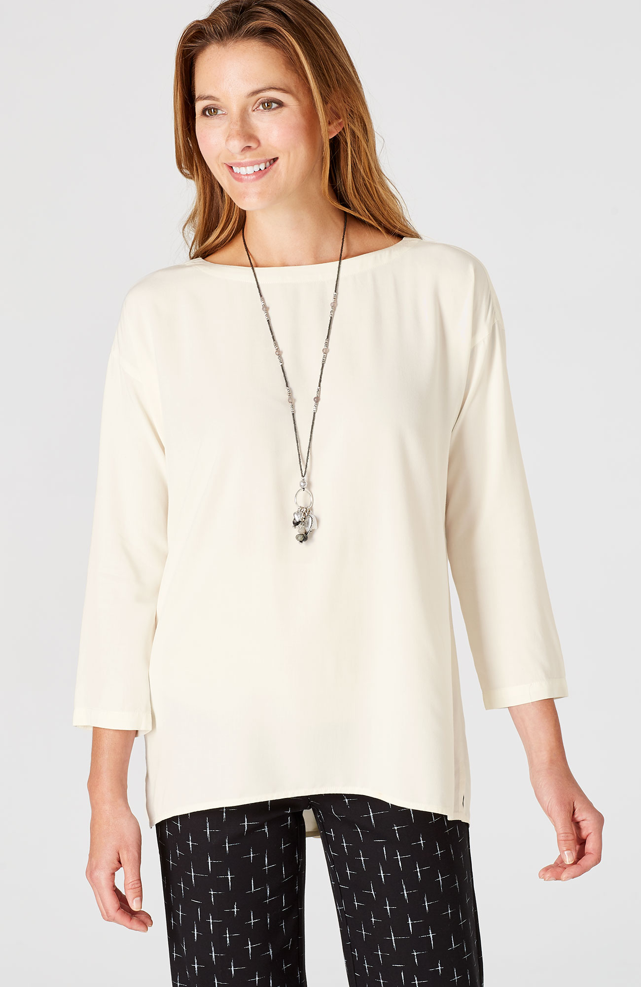 relaxed button-back top