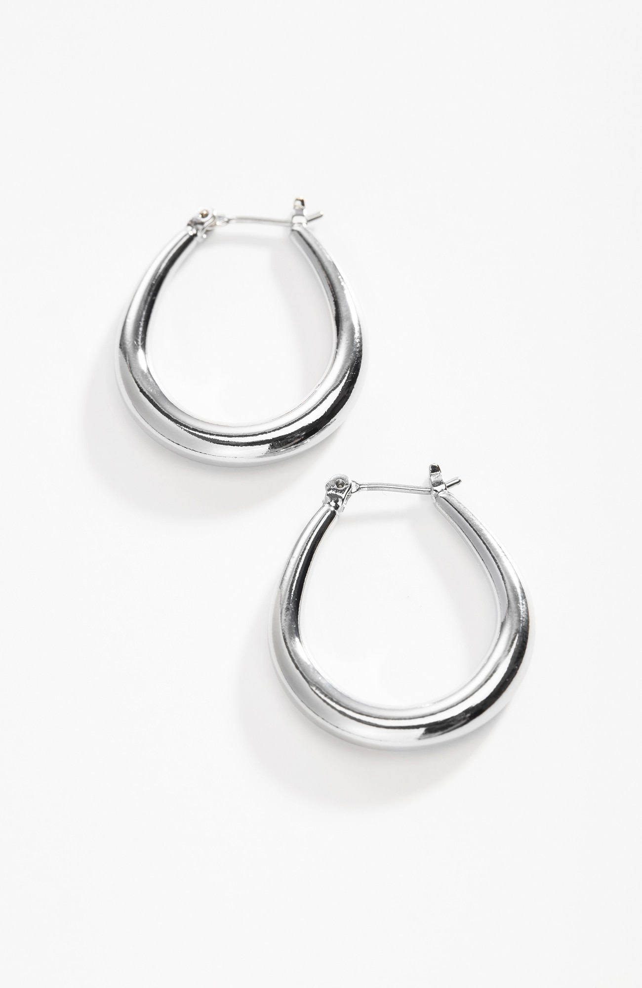 sculpted oval hoops