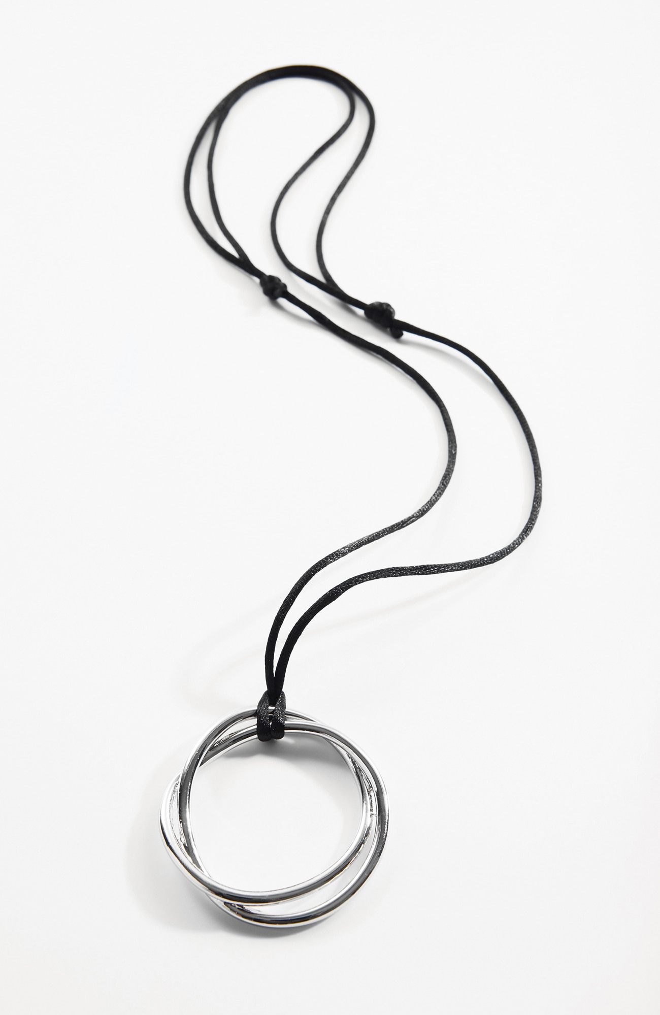 sculpted endless circle pendant necklace