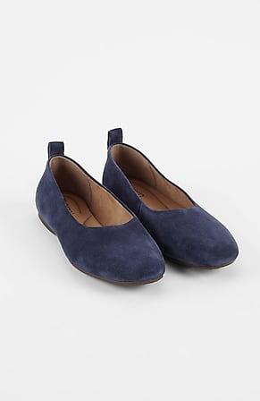 Image for Born® Beca Ballet Flats